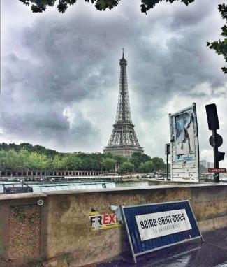 Vedere spre Turnul Eiffel